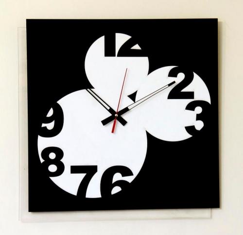 خرید ساعت دیواری بی صدا